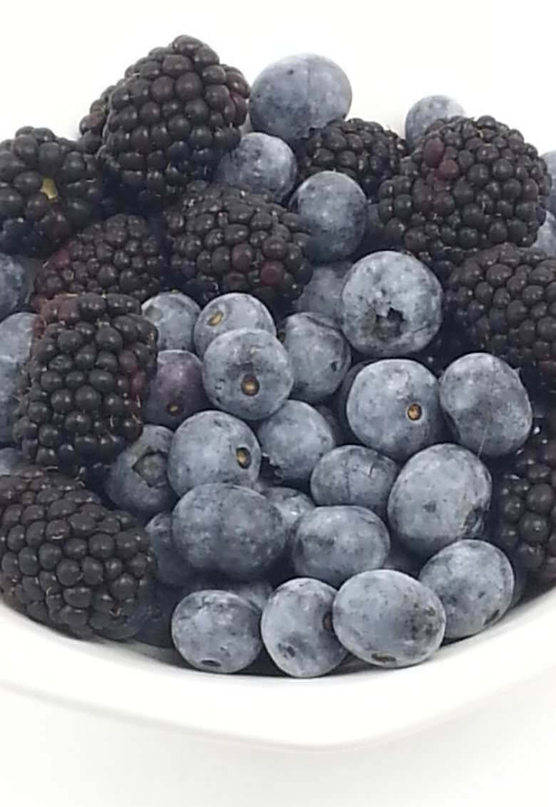 Picture of fresh blackberries and blueberries