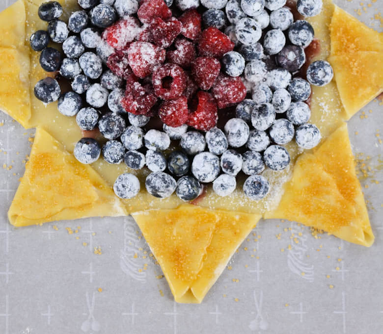 Blueberry Raspberry Star Pie3