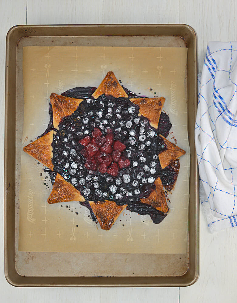 Blueberry Raspberry Star Pie4