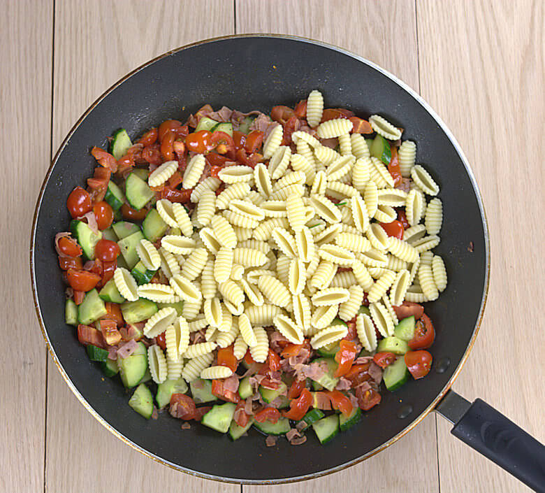 Cucumber Tomato and Ham Pasta2