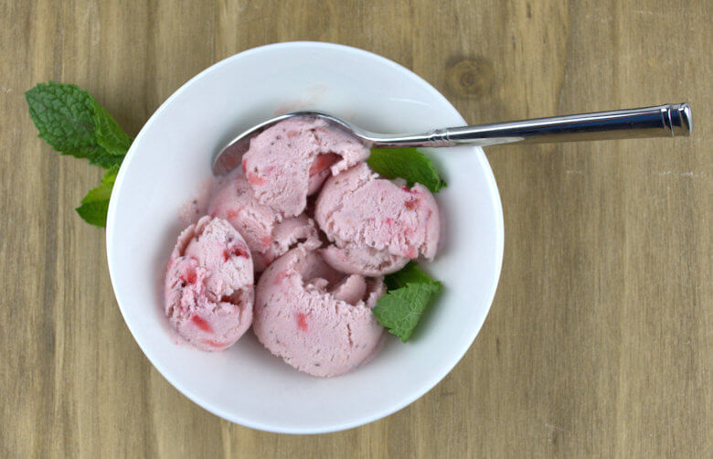 No-Churn Strawberry Ice Cream3