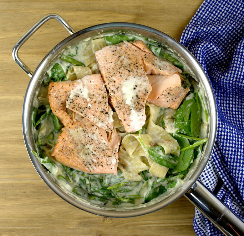 Picture of Salmon Asparagus and Spinach Pappardelle in skillet, before mixing