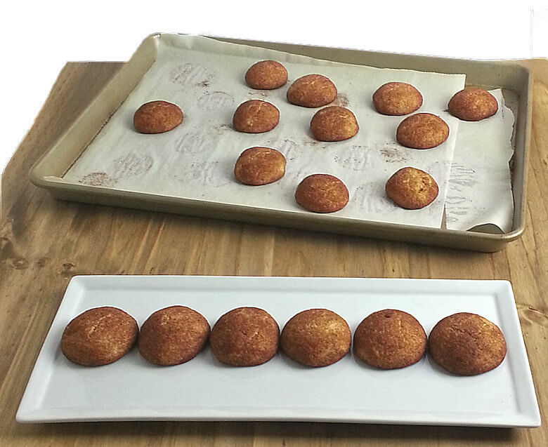 Picture of Small Snickerdoodles on baking dish and serving tray