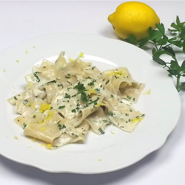 Picture of a plate with Straccetti Pasta with Lemon Cream
