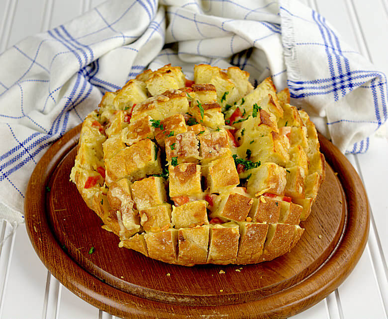Picture of Tomato Cheese Pull Apart Bread