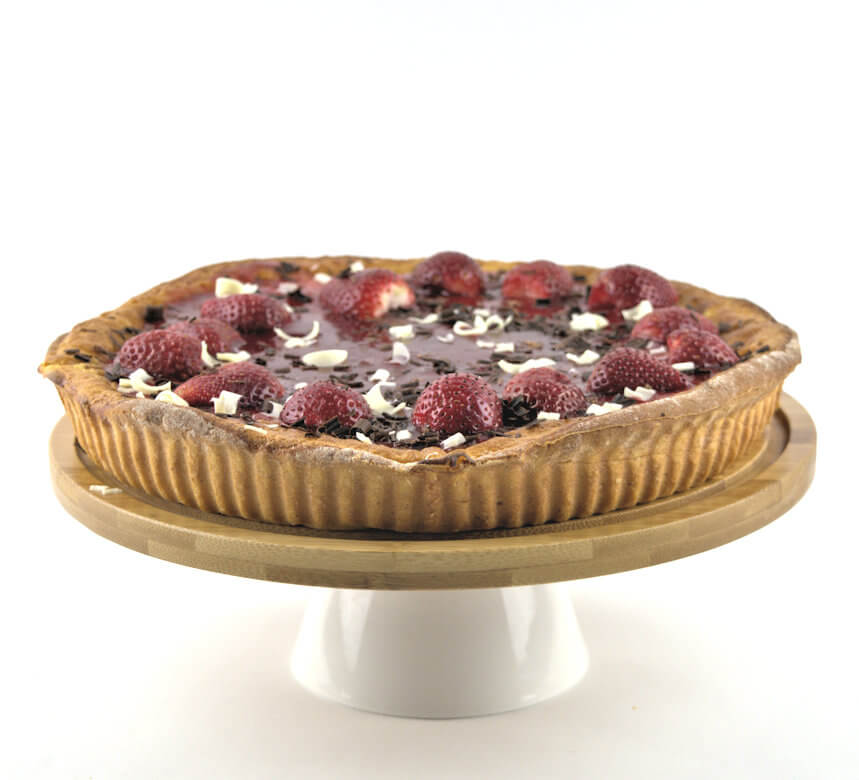 Picture of Vanilla Rice Pie with Strawberries on pie stand