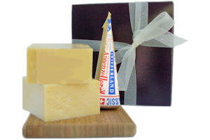 Picture of gift box with classic fondue cheeses